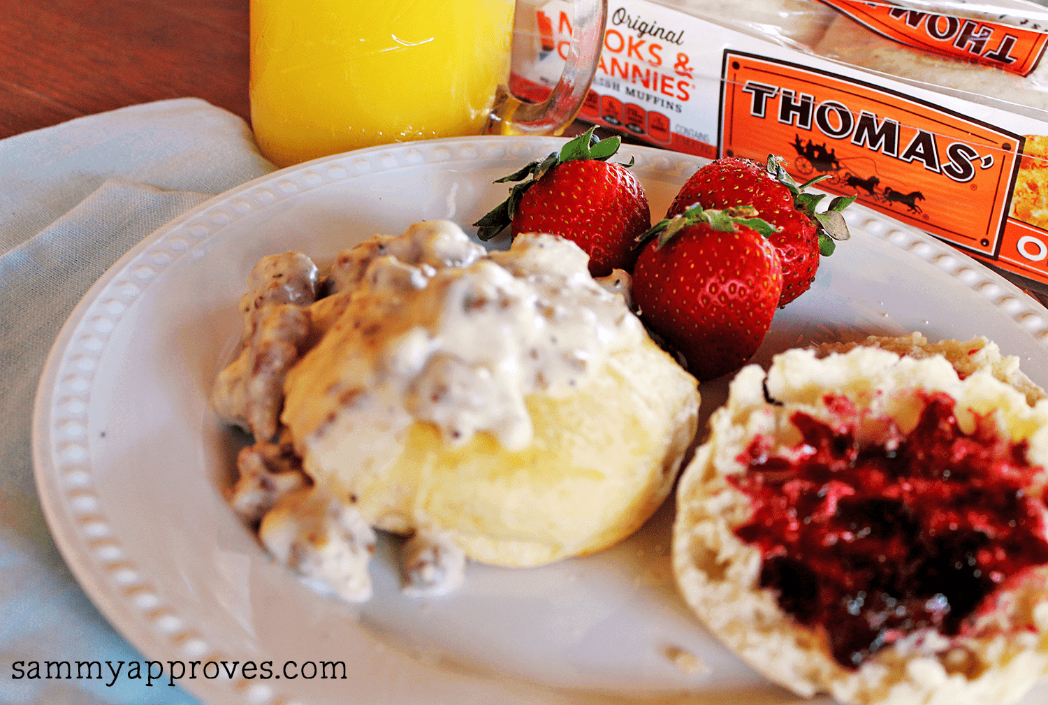 Country Style Biscuits & Gravy