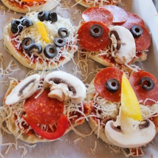 Silly Pizza Faces – Fun Recipe for Kids Lunch This Summer!