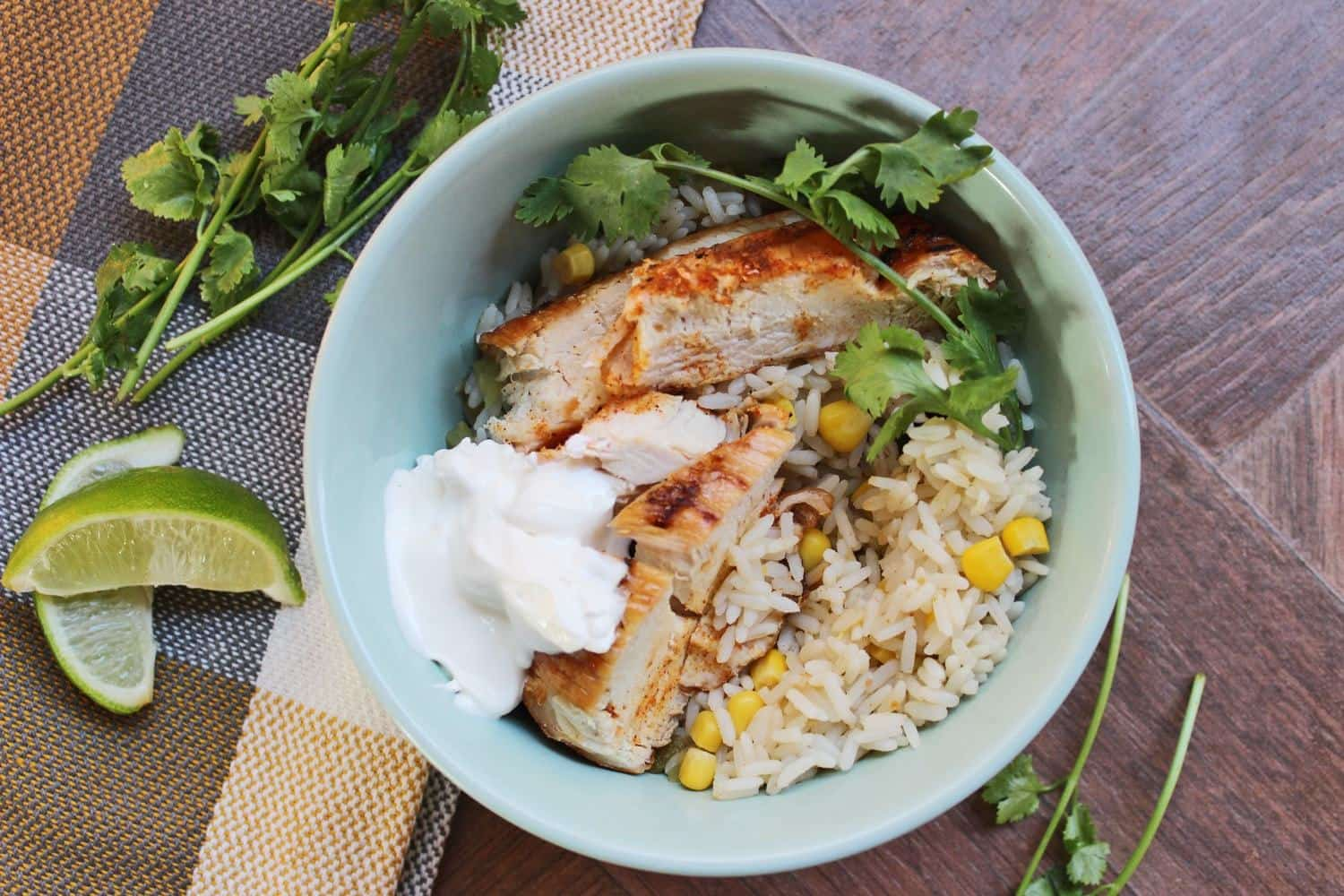 Easy Tex-Mex Chicken Bowls | Making Kitchen Memories With the Kids
