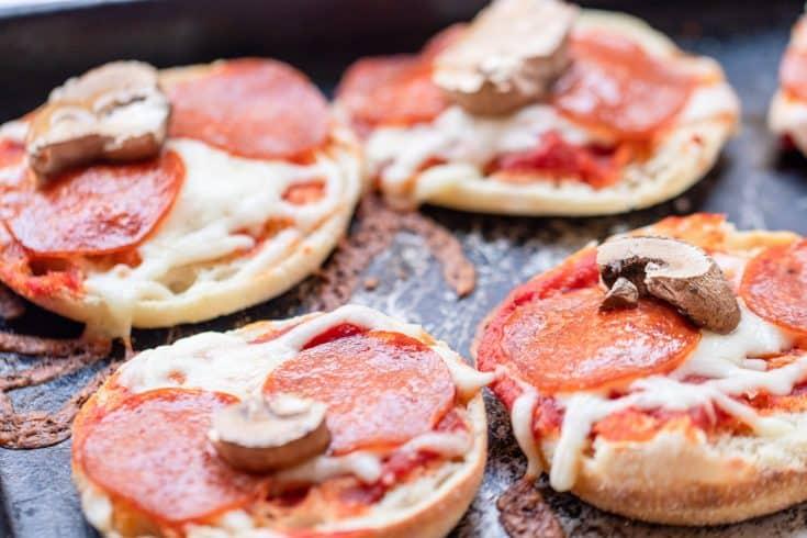 Easy Mini Pizza's